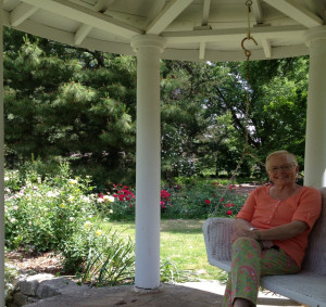 Blogger Sandy Conner at the Bartlett Arboretum in Belle Plaine, Kansas